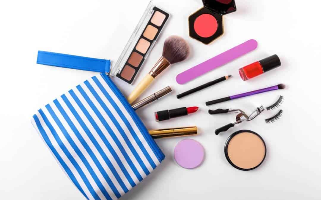 """6 Makeup Bag """"Must-Haves"""" For Beauty On The Go"""