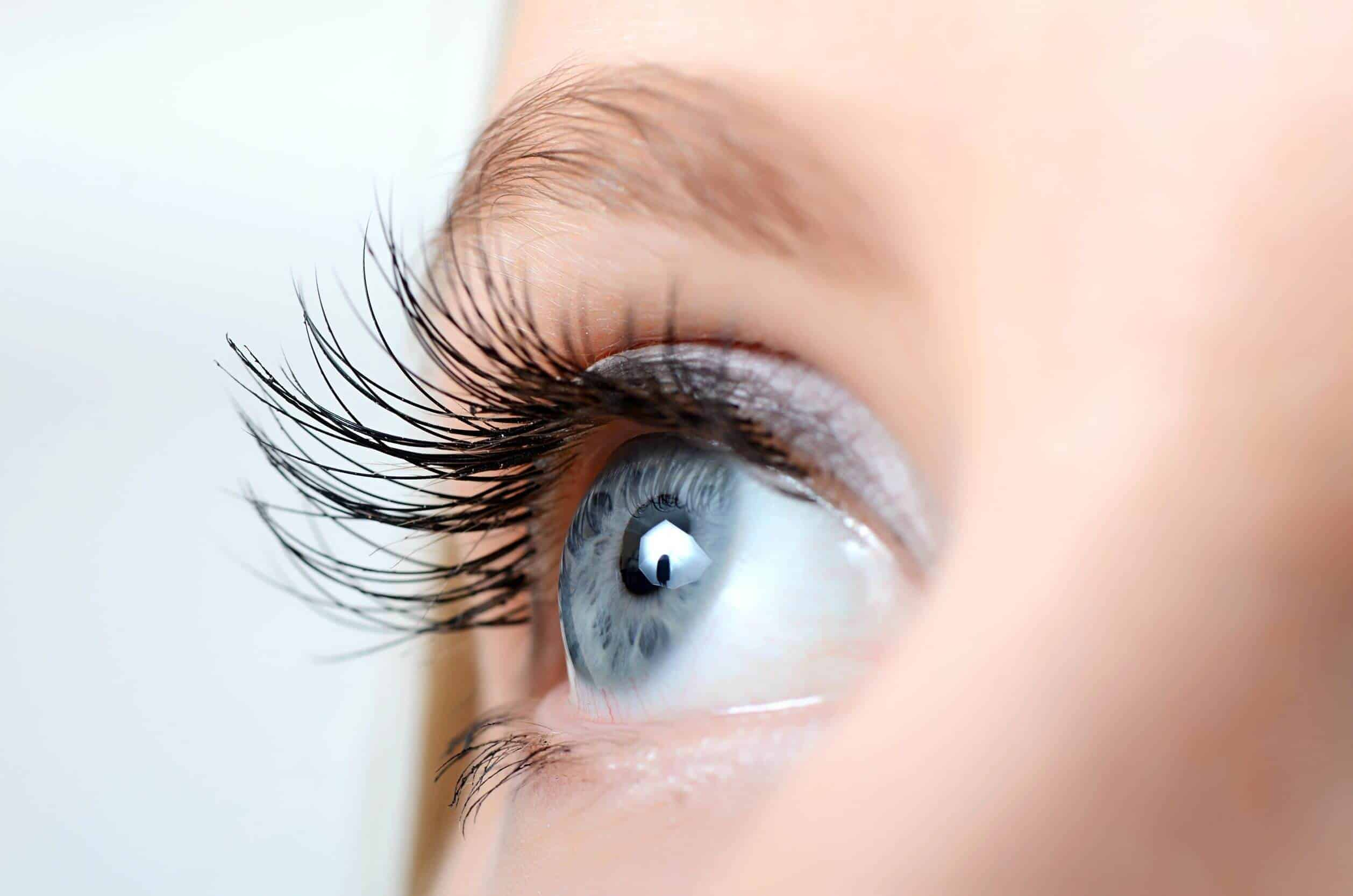 4 Diy Ways To Tint Your Lashes One Two Cosmetics